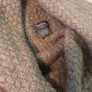 LkNew luxury Neiman Marcus Cashmere poncho taupe M
